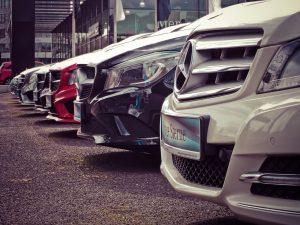 השכרת רכב או קניית רכב